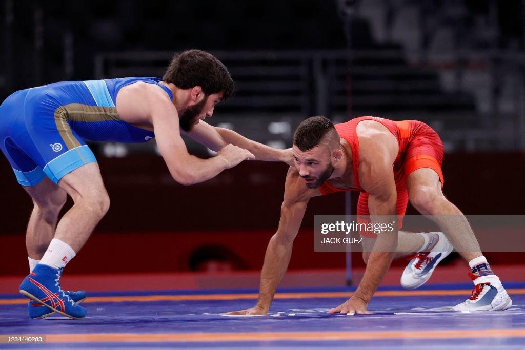 s-thomas-patrick-gilman-wrestles-russias