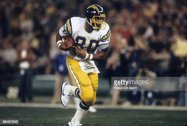 CINCINNATI OH CIRCA 1980's Tight End Kellen Winslow of the San Diego Chargers carries the ball against the Cincinnati Bengals circa early 1980's...