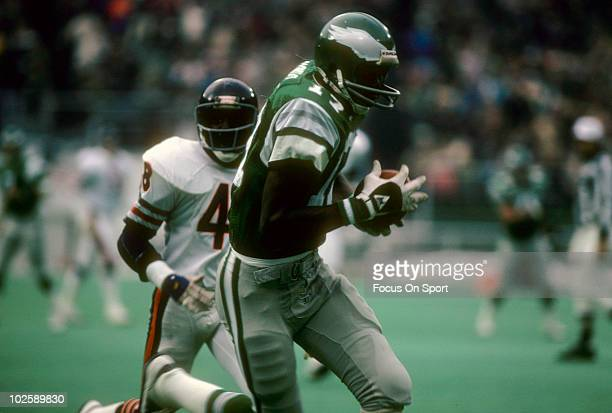 PHILADELPHIA PA CIRCA 1970's Wide Receiver Harold Carmichael of the Philadelphia Eagles catches a pass against the Chicago Bears circa late 1970's...
