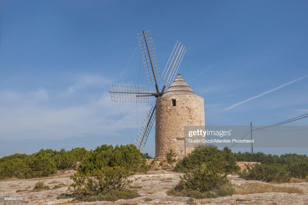 Sa Mirador windmill, near Sant Francesc Xavier : Stock-Foto