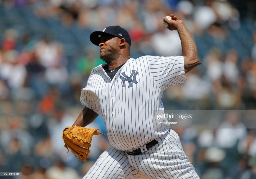 Texas Rangers v New York Yankees : News Photo