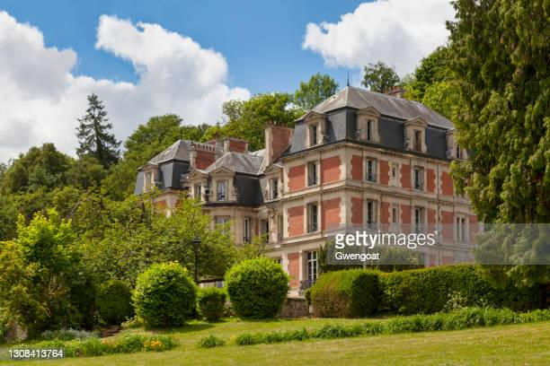 sabatier house in pierrefonds - oise stock pictures, royalty-free photos & images