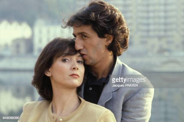 Sabine Azéma et Richard Anconina sur le film 'Zone Rouge' réalisé par Robert Enrico le 3 novembre 1985 France