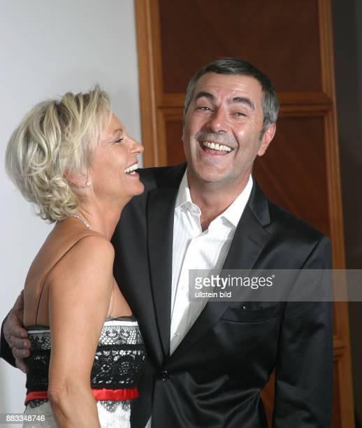 Sabine Christiansen Journalistin Moderatorin D mit ihrem Lebensgefaehrten Norbert Medus auf der Party nach der letzten Sendung 'Sabine Christiansen'