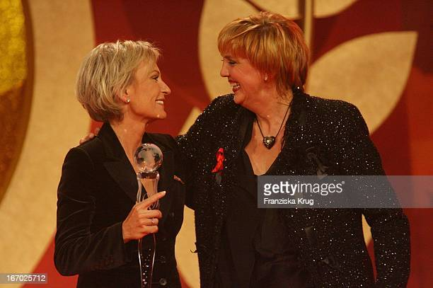 Sabine Christiansen Und Claudia Roth Bei Der Verleihung Der 'Women'S World Awards' In Der Media City In Leipzig Am 291105