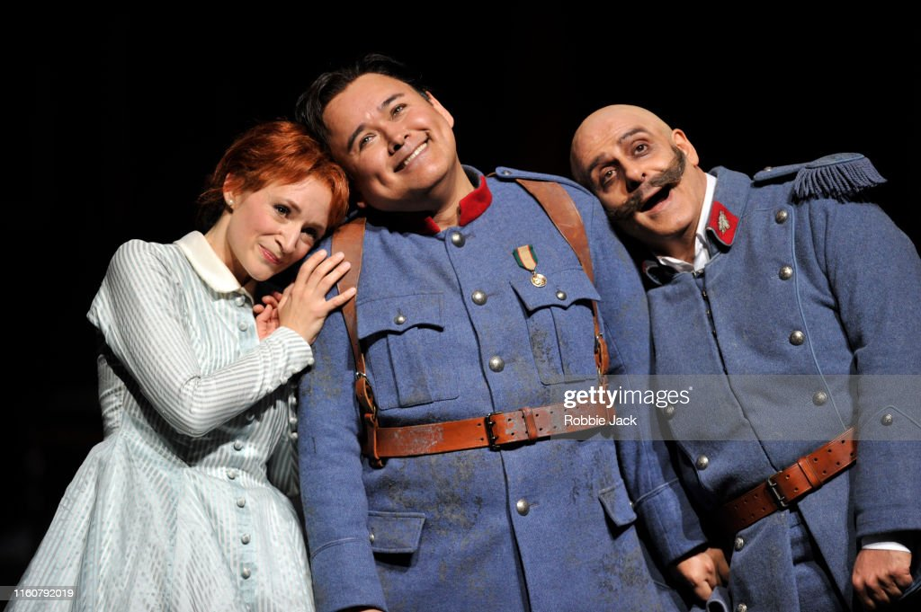 Gaetano Donizetti's La Fille Du Regiment At The Royal Opera House in London : Foto jornalística