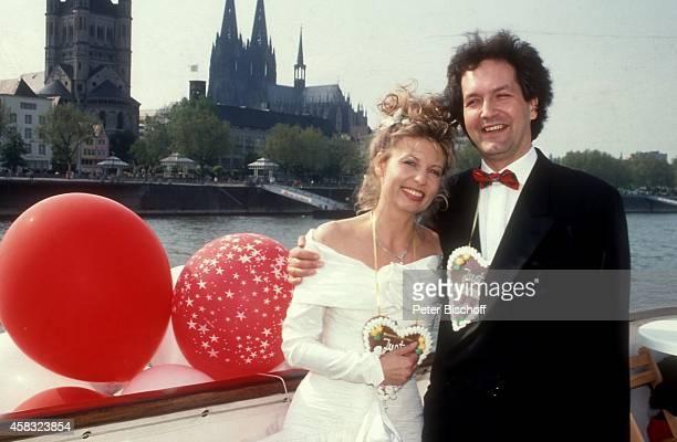 Sabine Postel Ehemann Dr Otto Riewoldt Feier nach Hochzeit am auf Rheindampfer 'Stadt Köln' in Köln Deutschland