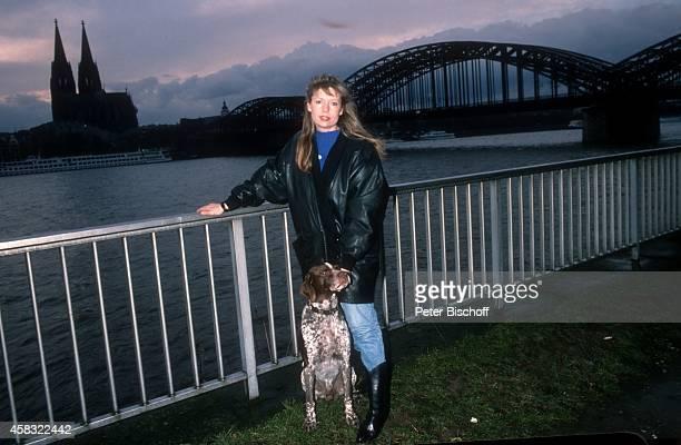 Sabine Postel und Hund 'Kos' am in Köln Deutschland