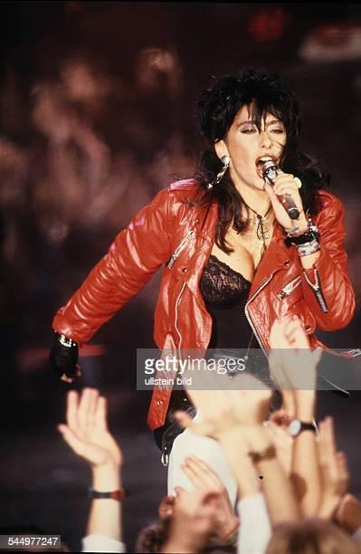 Sabrina salerno photos et images de collection getty images for Popular music 1988