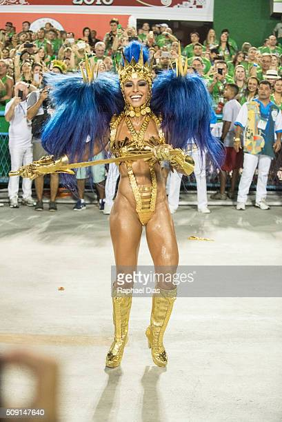 Sabrina Sato attends to the Rio Carnival in Sambodromo on February 8 2016 in Rio de Janeiro Brazil Despite the Zika virus epidemic thousands of...