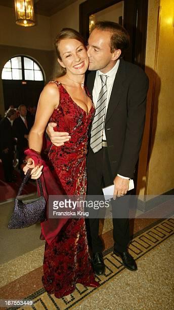 Sabrina Staubitz Und Freund Wolfram Winter Bei Der Verleihung Des Bayerischen Fernsehpreises 2002