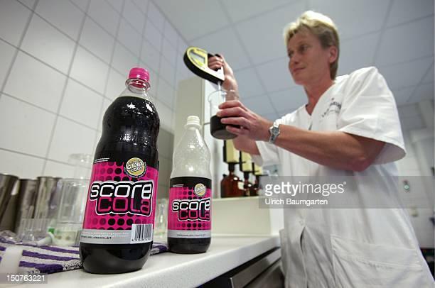 Saccharimetry of Score Cola in a laboratory of the Lichtenauer Mineralbrunnen GmbH