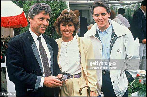 Sacha Distel with his wife Francine and their son Julien Roland Garros