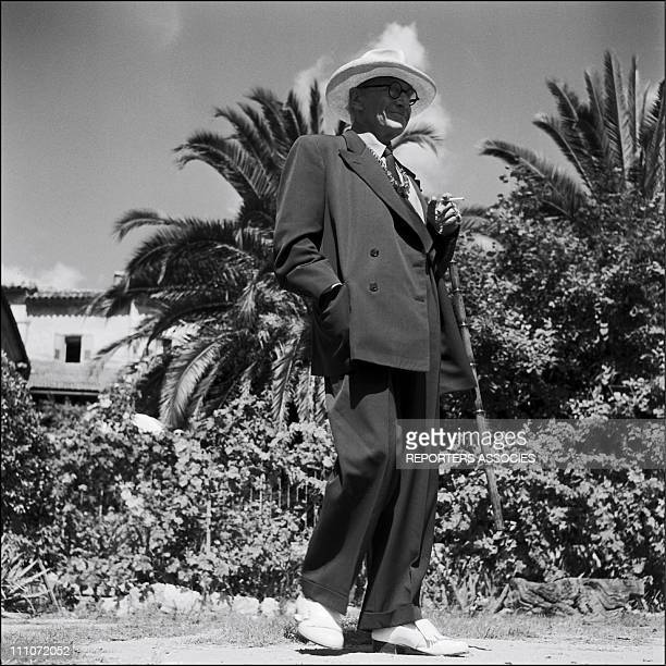 Sacha Guitry at shooting of ' Napoleon' in France on January 01 1955