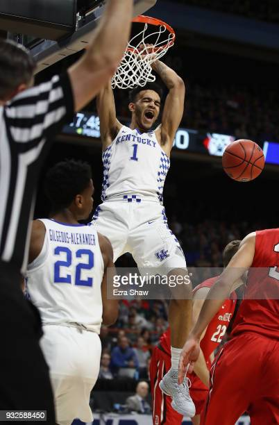 Sacha KilleyaJones of the Kentucky Wildcats dunks the ball in the second half against the Davidson Wildcats during the first round of the 2018 NCAA...