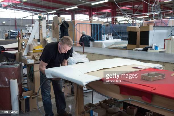 Sachsen Firma Breckle Matratzen und Polsterbetten HerstellerInnenansicht der Produktion Matratzenund Möbelherstellung