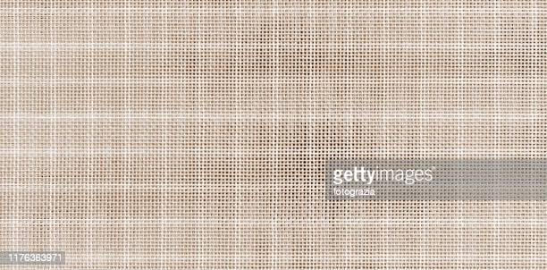 sack fabric texture background - malla textil fotografías e imágenes de stock