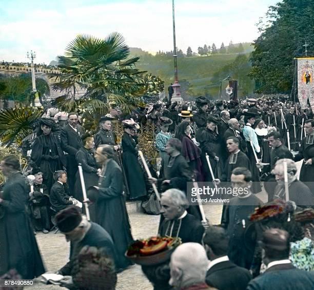 Sacrament procession at Lourdes