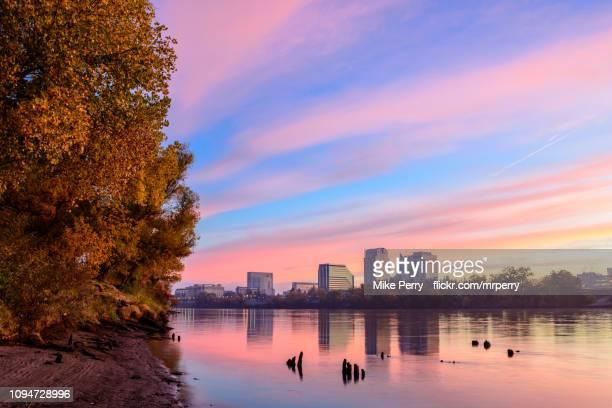 sacramento fall sunrise along the river - サクラメント ストックフォトと画像