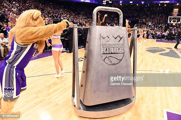 Sacramento Kings mascot Slamson rings the Kings Bell before the game against the San Antonio Spurs on October 27 2016 at the Golden 1 Center in...