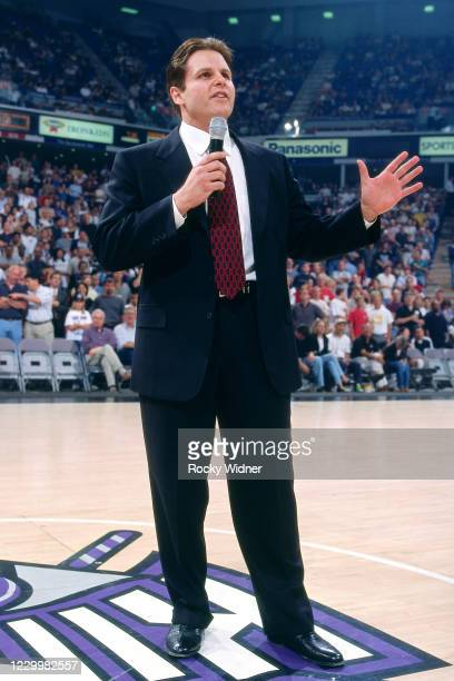 Sacramento Kings Owner, Joe Maloof speaks to the crowd during the game at the Arco Arena in Sacramento, California circa 2001. NOTE TO USER: User...