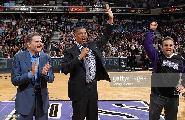 Sacramento mayor Kevin Johnson and owners Joe Maloof and Gavin Maloof of the Sacramento Kings address the fans in attendence of the game between the...