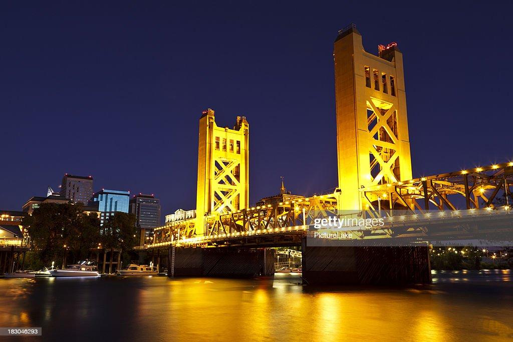 Sacramento River and Tower Bridge at late dusk : Stock Photo