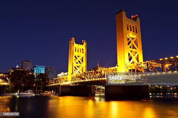 sacramento river and tower bridge at late dusk - sacramento stock pictures, royalty-free photos & images