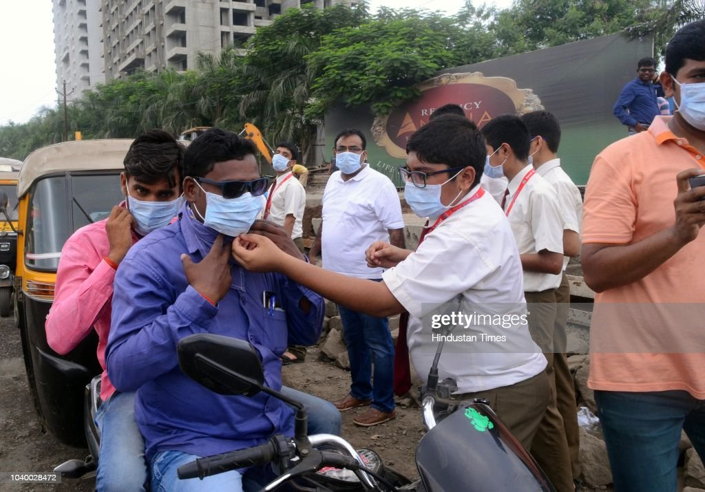 School Students Distribute Face Masks To Fight Air Pollution In Mumbai