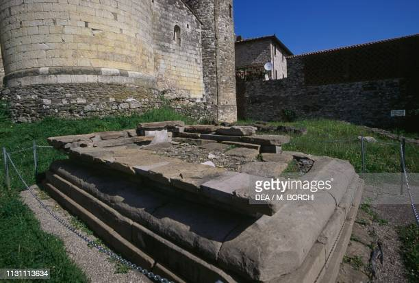 Sacrificial altar of an Etruscan temple, behind the apse of the church of Sant'Antonino, Pieve a Socana, Castel Focognano, Tuscany, Italy, Etruscan...