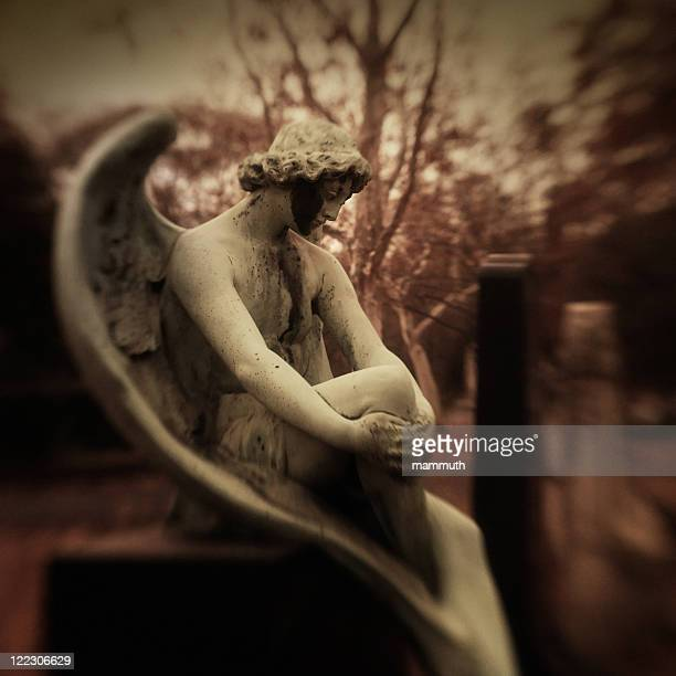 Traurig angel