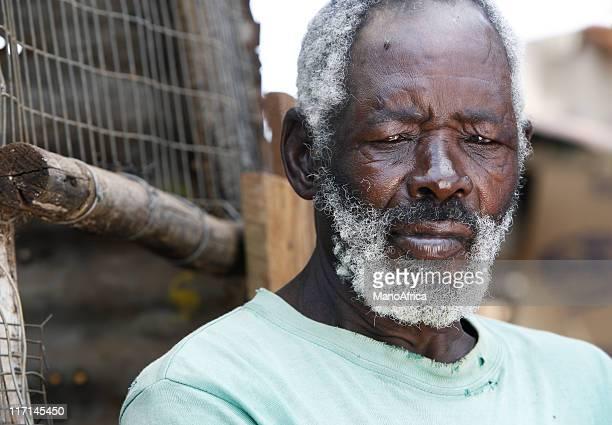 Traurige alte afrikanische Mann Porträt