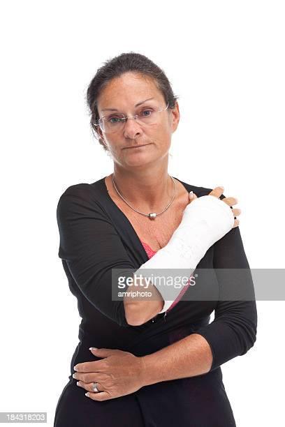 Traurige Frau mit Darstellern