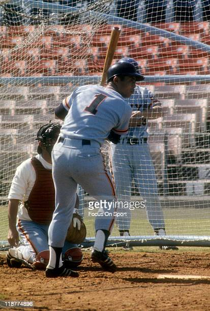 Sadaharu OH of the Yomiuri Giants takes batting practice before and exhibition game against the Los Angeles Dodgers circa 1970 at Dodger Town in Vero...