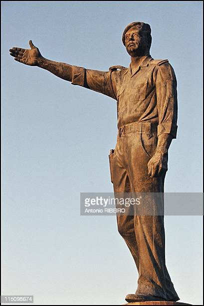 Saddam's artists in Baghdad Iraq in July 1994 Saddam statue made by Sohall al Hindaw 10 meters high