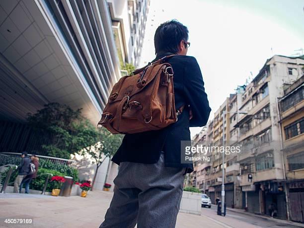 Saddleback leather briefcase sachel Chinese man