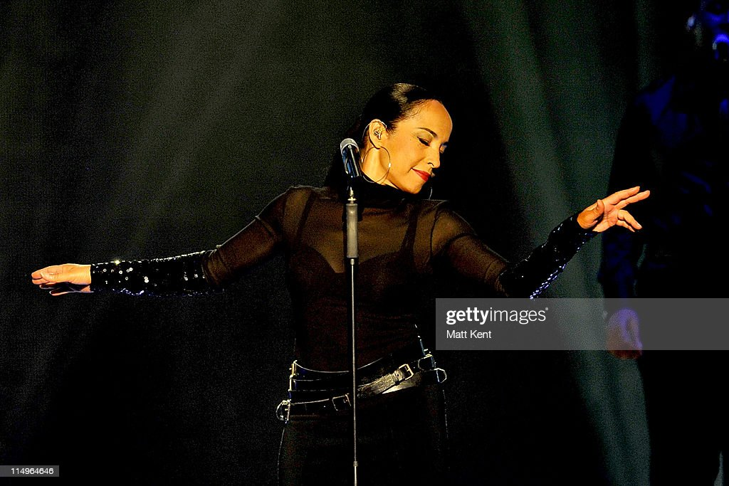 Sade Performs In London : News Photo