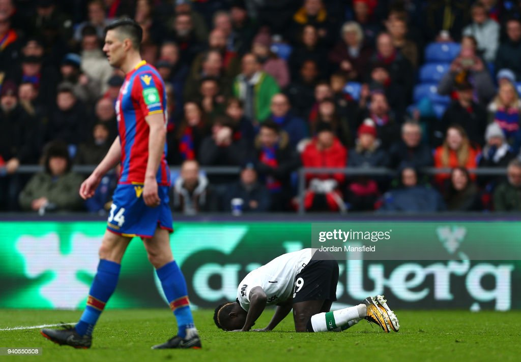 Sadio Mane of Liverpool celebrates after scoring his sides first goal during the Premier League match between Crystal Palace and Liverpool at Selhurst Park on March 31, 2018 in London, England.