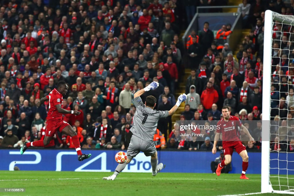 Liverpool v Porto - UEFA Champions League Quarter Final: First Leg : News Photo