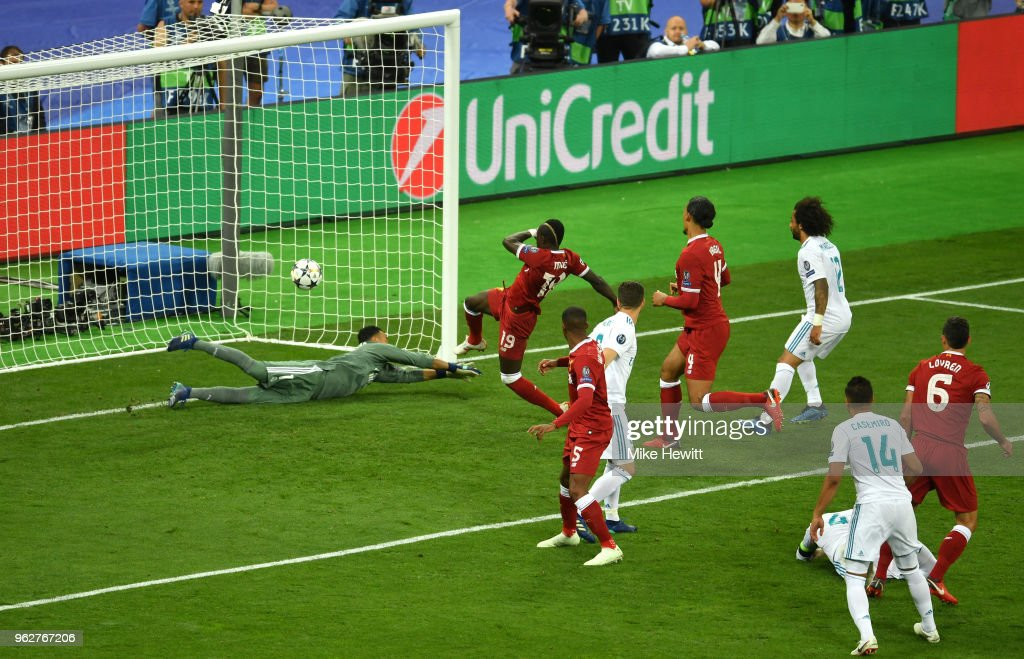 Real Madrid v Liverpool - UEFA Champions League Final : Nachrichtenfoto