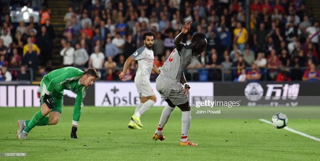 Crystal Palace v Liverpool FC - Premier League : Photo d'actualité