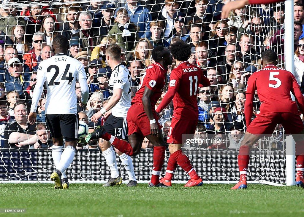 Fulham FC v Liverpool FC - Premier League : Foto jornalística