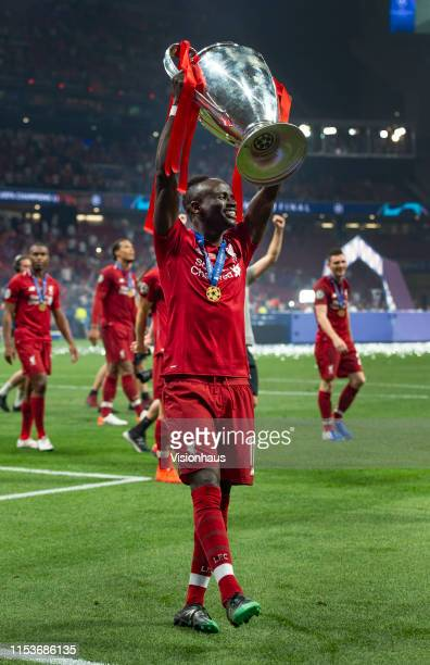 Sadio Mane of Liverpool with the trophy after winning the UEFA Champions League Final between Tottenham Hotspur and Liverpool at Estadio Wanda...