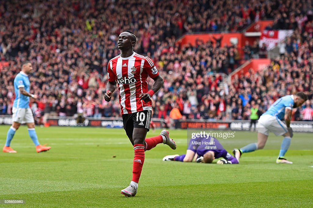 Sadio Mane of Southampton celebrates scoring his team's second goal during the Barclays Premier League match between Southampton and Manchester City at St Mary's Stadium on May 1, 2016 in Southampton, England.
