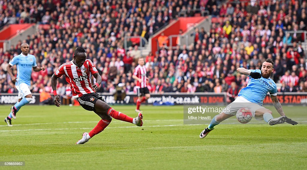 Sadio Mane of Southampton scores his team's second goal during the Barclays Premier League match between Southampton and Manchester City at St Mary's Stadium on May 1, 2016 in Southampton, England.