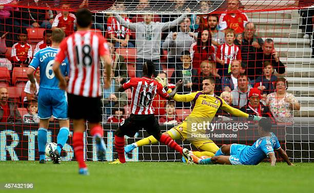 Sadio Mane of Southampton scores the 8th goal during the Barclays Premier League match between Southampton and Sunderland at St Mary's Stadium on...