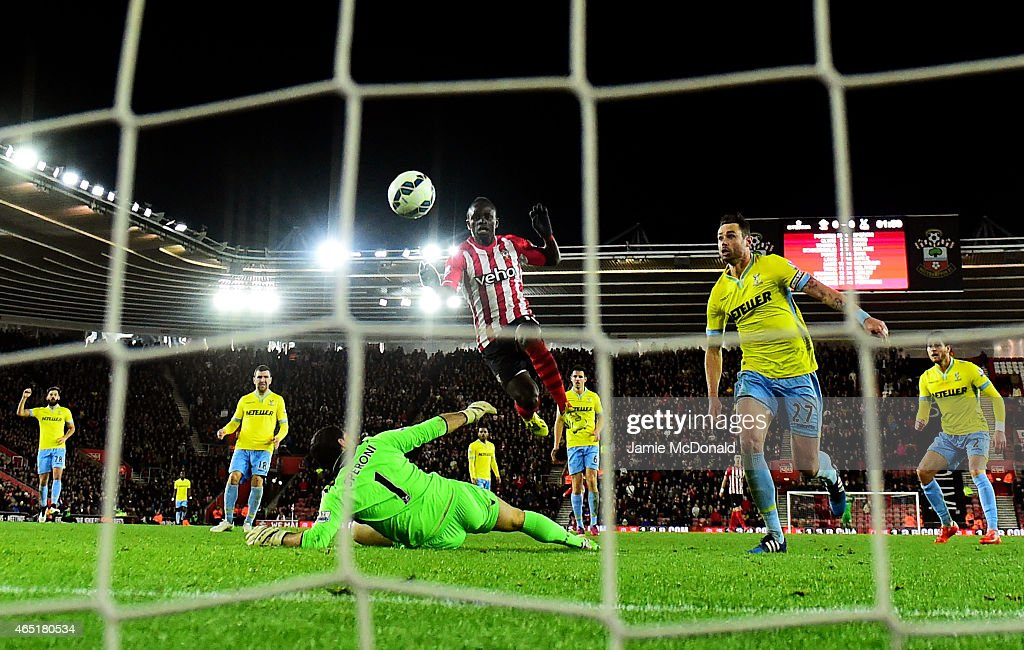 Sadio Mane of Southampton scores the opening goal during the Barclays Premier League match between Southampton and Crystal Palace at St Mary's Stadium on March 3, 2015 in Southampton, England.