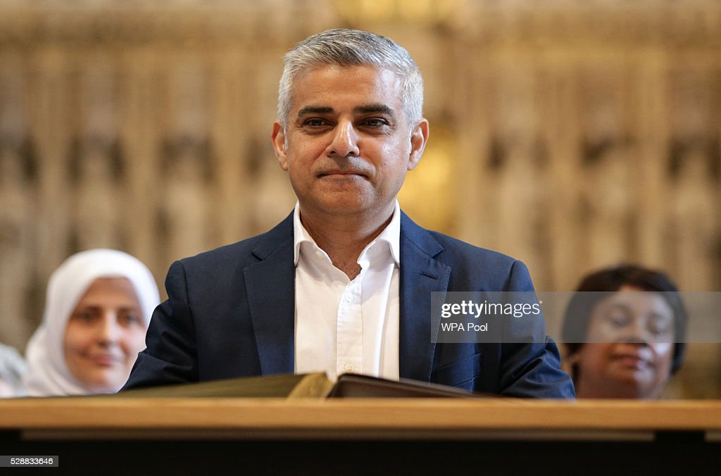 Sadiq Khan Begins His Term As Mayor Of London : Nachrichtenfoto