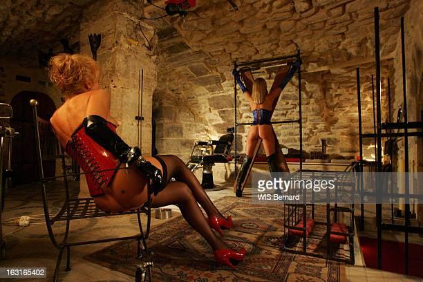 Sadomasochism Fantasies Le 'Donjon' de Patrick LE SAGE antre du sadomasochisme gardé secret à Bastille deux femmes des fidèles du lieu au milieu...