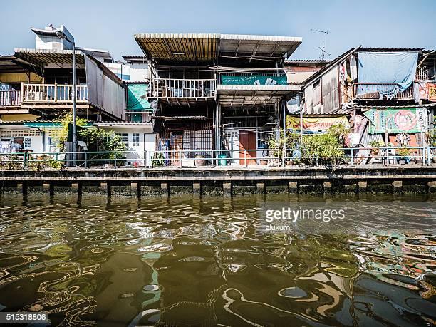 saen saep canal khlong bangkok tailandia - riverbank fotografías e imágenes de stock